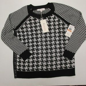 Vince Camuto Woman's Sweater Size Small